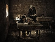 Master of Light Bronze - hong li (China)  - Schoolroom